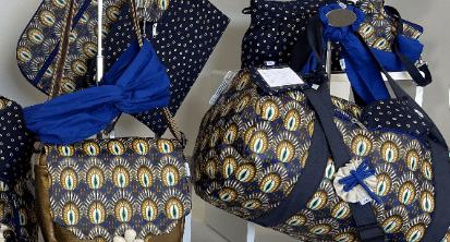Pensez à associer notre dernière collection Plumes de Paon avec des accessoires cheveux Bleu Navy PPMC