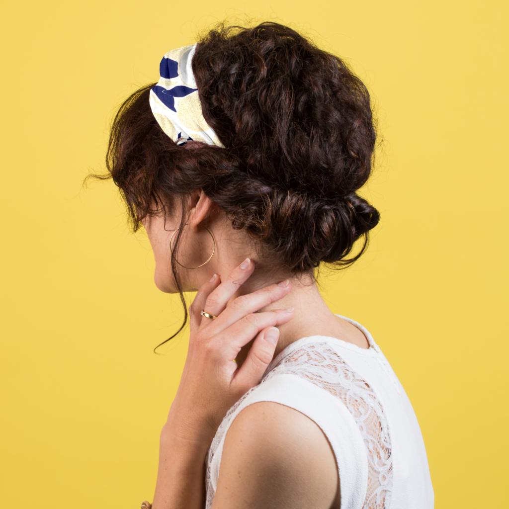 bandeau croisée en coiffure bohème